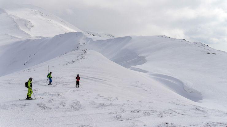 Strat de zăpadă de peste 17 cm în Maramureș