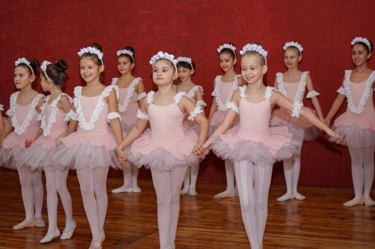 Modefit Studio Ana Macovei a pus în scenă tradiționalul spectacol de balet