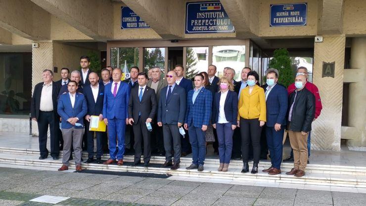 PNL Satu Mare a depus listele de candidați pentru alegerile parlamentare. Adrian Cozma și Ovidiu Duma deschid lista candidaților la Camera Deputaților și Senat