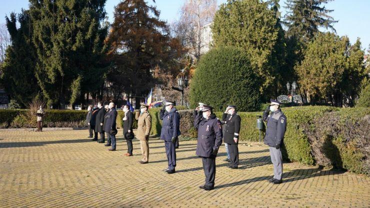 Ziua Națională a României, sărbătorită în condiții speciale, fără paradă și cu mască de protecție