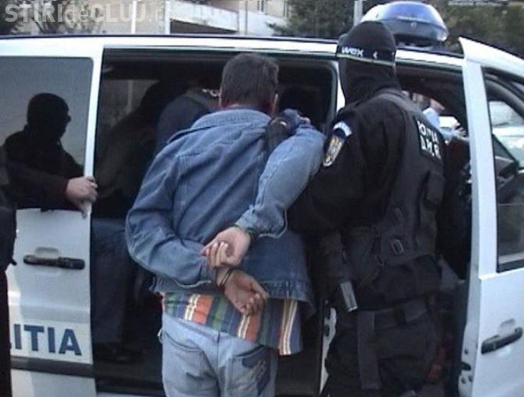 Traficant de migranți, inclusiv minori, trimis în judecată
