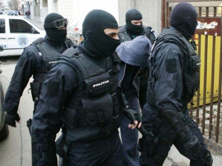 Descinderi ale polițiștilor pe Ostrovului și în cartierul Micro 14
