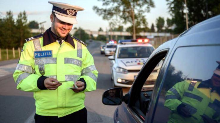 Șofer aflat sub influența băuturilor alcoolice, prins de polițiști