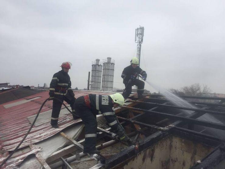 Incendiu în municipiul Satu Mare la un atelier