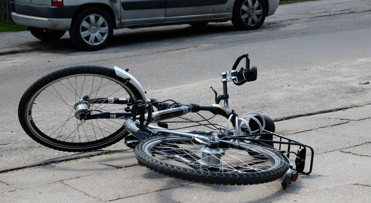 Biciclist octogenar, accidentat de o maşină