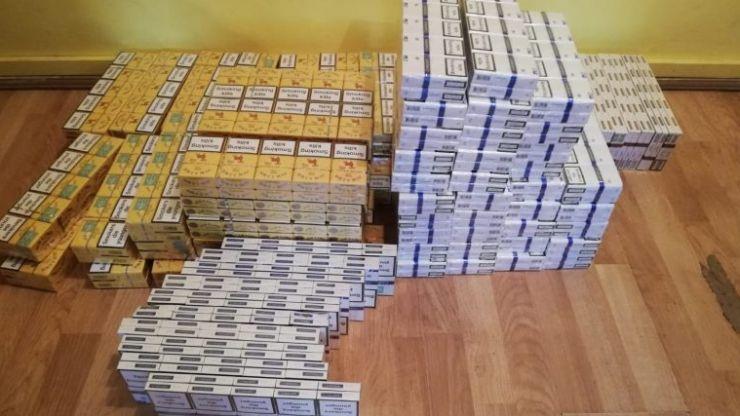 Femeie prinsă în Halmeu cu 7.400 de fire de țigarete de contrabandă