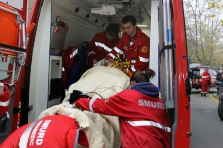 Două persoane rănite într-un accident produs în Livada