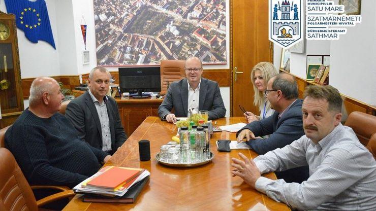 Sprijin | Municipiul Satu Mare a donat orașului Beregovo 500 de contoare de apă rece