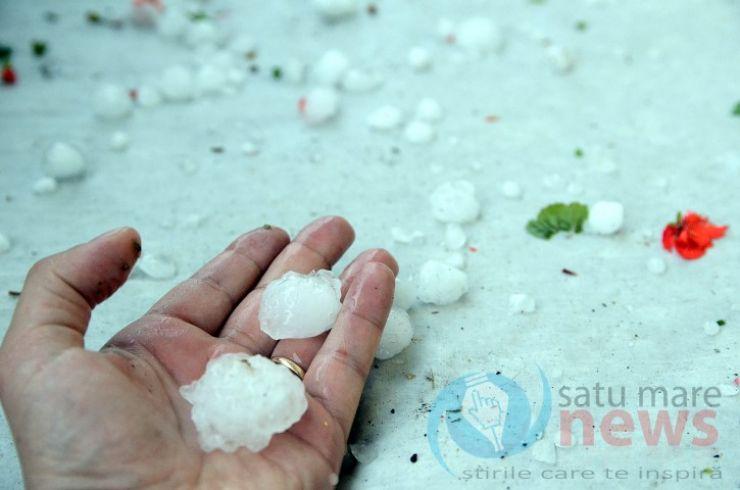 Ajutor financiar pentru sătmărenii afectați de calamități în luna mai