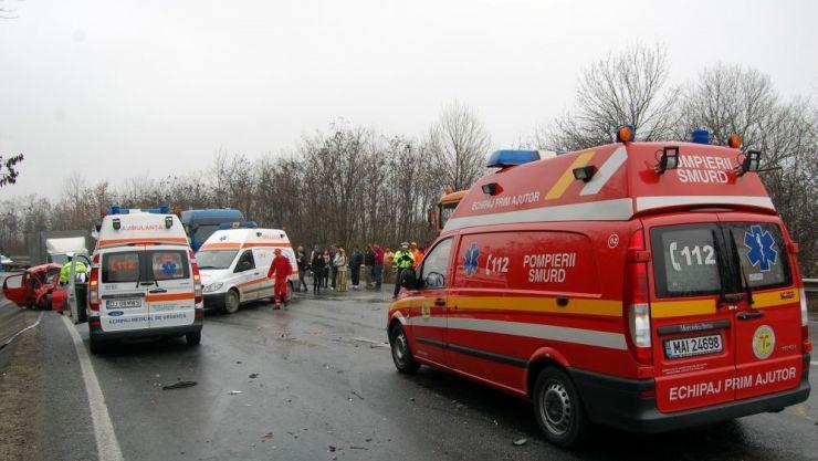 Un sătmărean fără permis a provocat un accident mortal. Alți opt pasageri, răniți