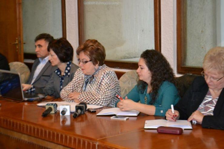 BILANȚ. Directorul Casei Județene de Pensii, un director model, în opinia prefectului Eugeniu Avram