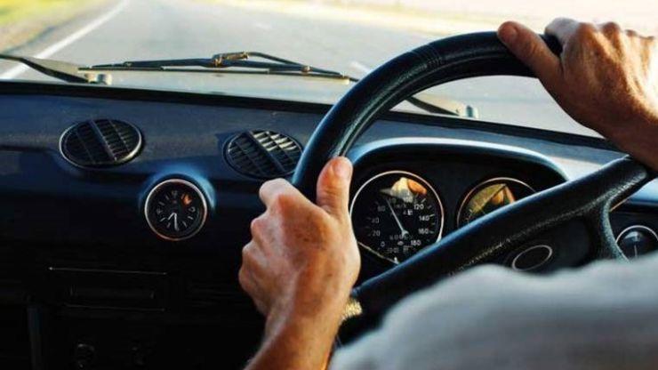 Un tânăr din Călinești-Oaș, prins la volan cu permisul de conducere suspendat