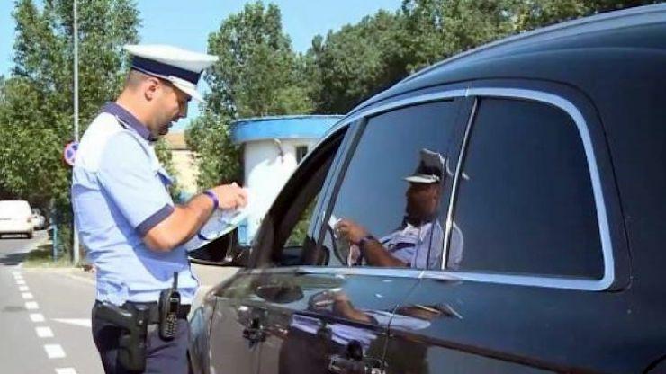 Peste 50 de șoferi au rămas fără permis pentru viteză, în weekend