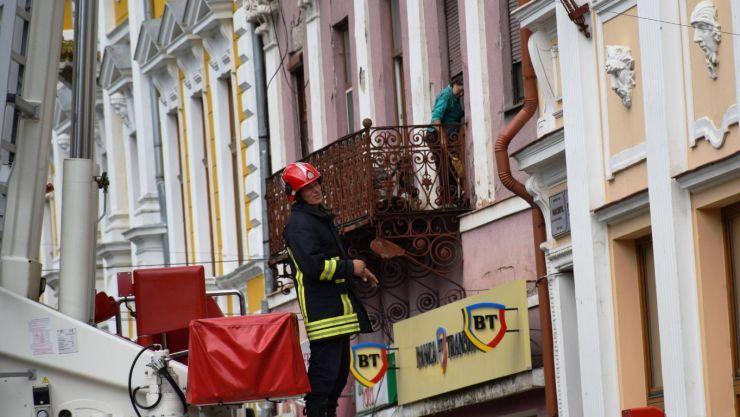 Cad cărămizi! Primăria a somat din nou proprietarul Hotelului Dacia să înceapă lucrările de conservare a imobilului