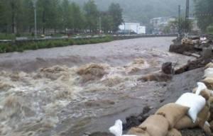 Locuitorii din Craidorolț, evacuați din calea apei. Peste 100 de sătmăreni din Sătmărel, adăpostiți în Căminul Cultural