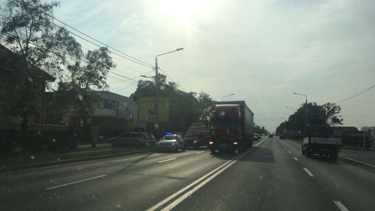 Motociclist lovit de o mașină pe Drumul Careiului