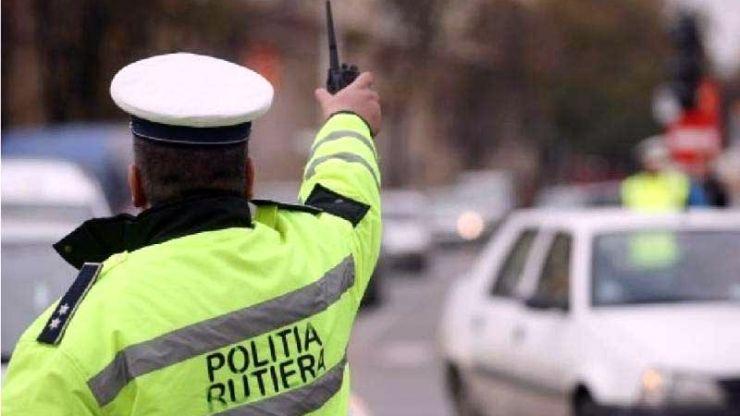 Șoferi fără permis depistați în trafic, de Crăciun, de polițiști