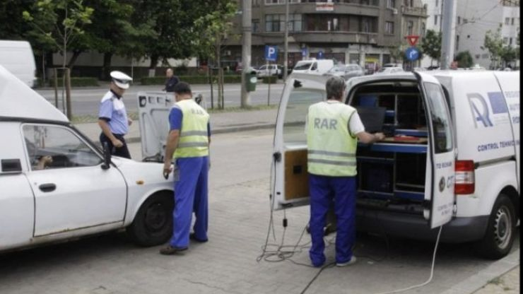 Maşini cu defecţiuni tehnice, depistate în trafic de polițiști