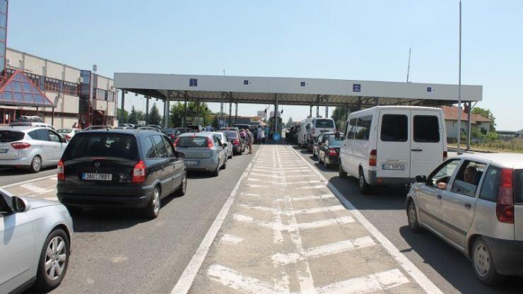 Punctele de trecere a frontierei cu Ungaria, aglomerate