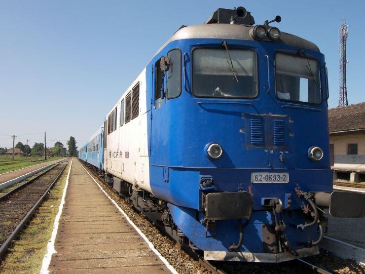 Record. Trenul Mangalia - Satu Mare a ajuns la destinație... după 24 de ore