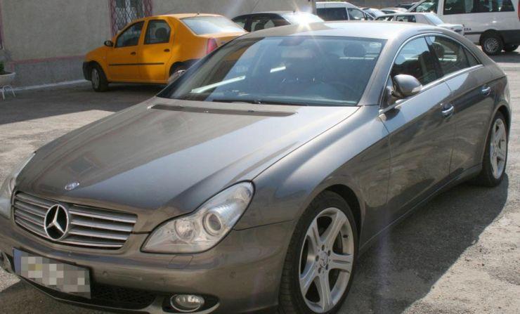 Mașină furată din Italia, oprită la frontiera Petea