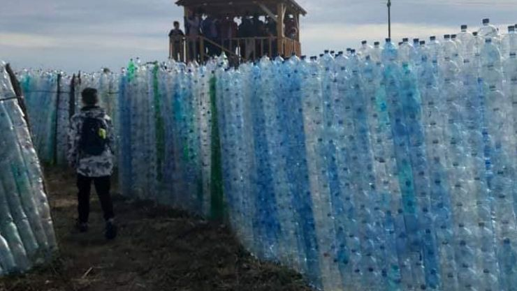Labirintul reciclării. Elevii sătmăreni au colectat peste 80.000 de PET-uri