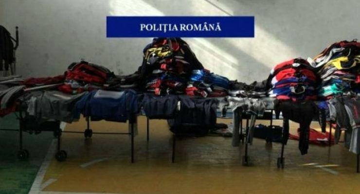 Peste 800 de articole contrafăcute, confiscate de polițiști în Satu Mare