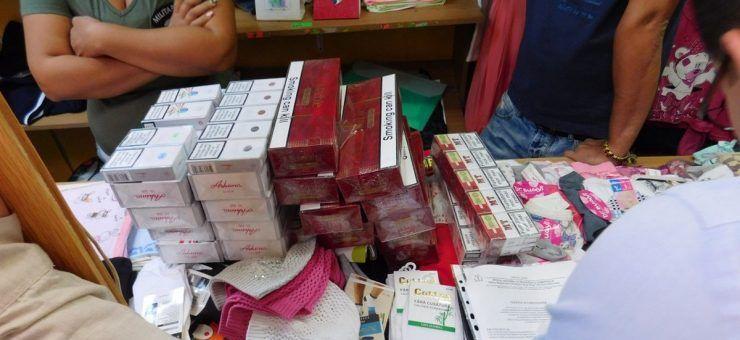 Țigări de contrabandă vândute la magazin într-un sat din județ