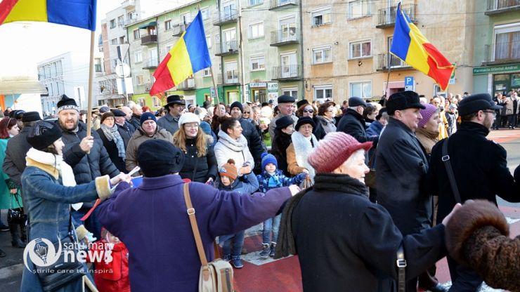 De Ziua Unirii, sătmărenii au întins o horă mare