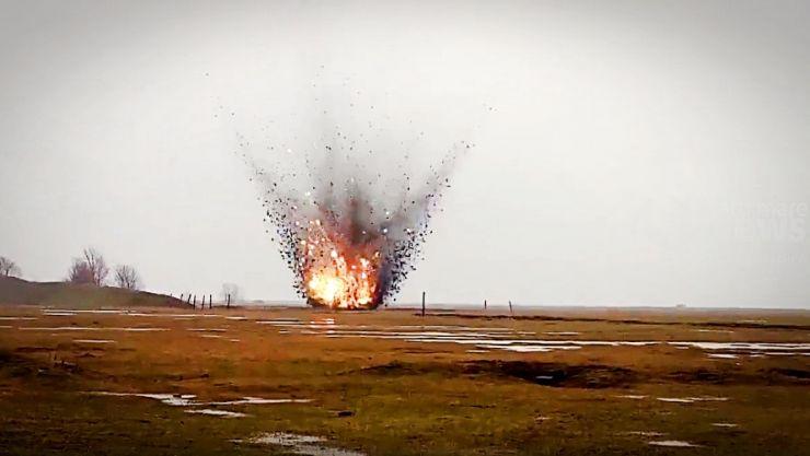 Explozia controlată a unei bombe de aviație de 100 kg