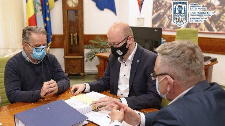 A fost semnat acordul cadru privind lucrările de reparaţii şi întreţinere a străzilor din municipiul Satu Mare