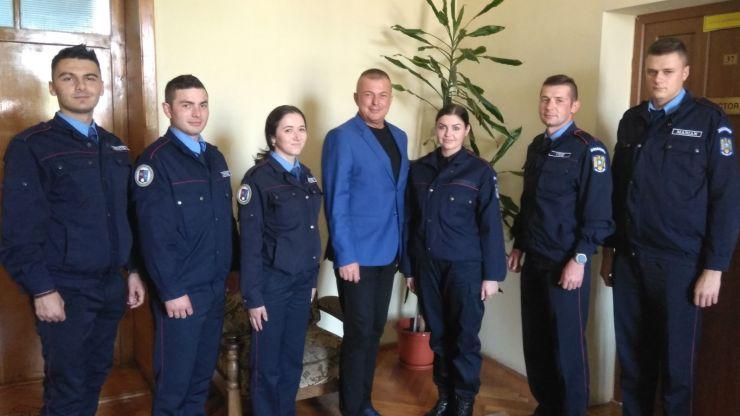 Șase elevi jandarmi se află în stagiu de practică în cadrul Jandarmeriei Satu Mare