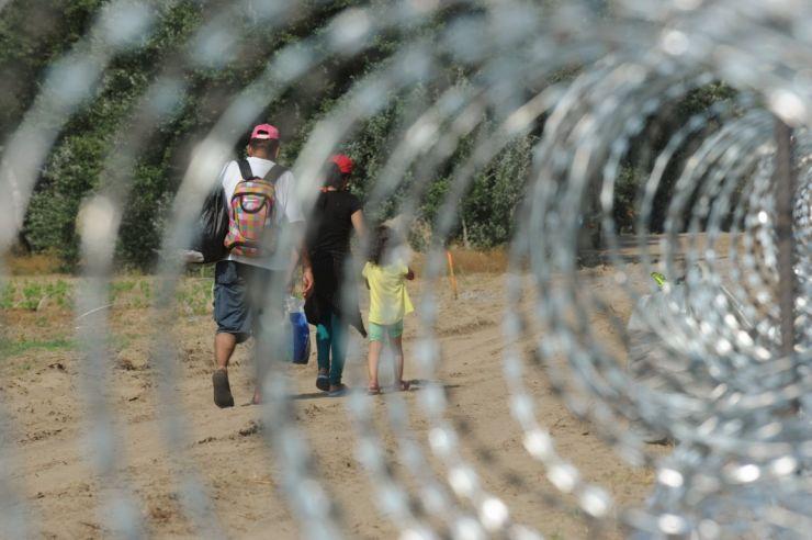 Trei solicitanți de azil din Iran, opriți la frontiera cu Ungaria