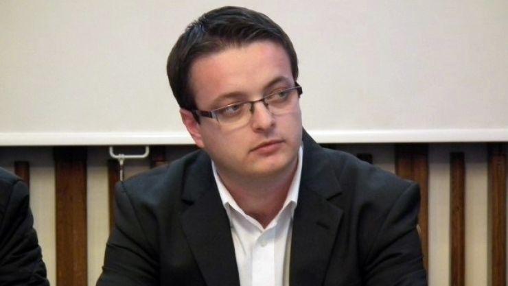 Administratorul public al judeţului Satu Mare arde gazu' statului în interes personal
