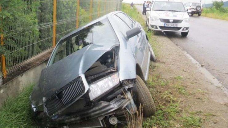 Accident între localitățile Ady Endre și Căuaș. Șoferița a ajuns cu mașina în șanț