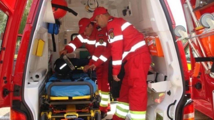 Accident la ieșirea din Carei. Trei persoane au ajuns la spital