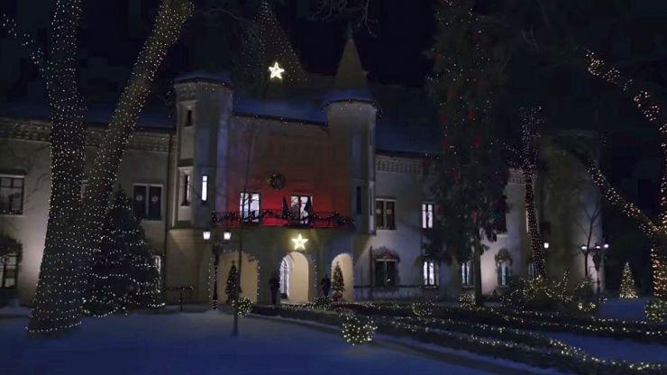 """Comedia romantică americană """"The Princess Switch"""", filmată în Castelul Károlyi, va fi lansată pe 16 noiembrie 2018"""