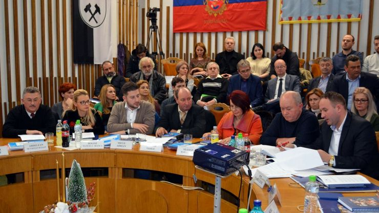 Consilierii municipali PSD Satu Mare s-au abținut de la votul privind majorarea tarifului de salubrizare