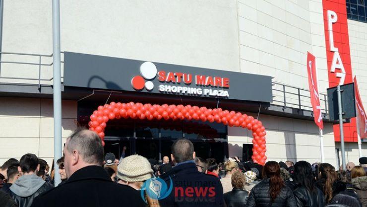 Shopping Plaza Satu Mare și-a deschis porțile. Sute de sătmăreni, prezenți la inaugurare