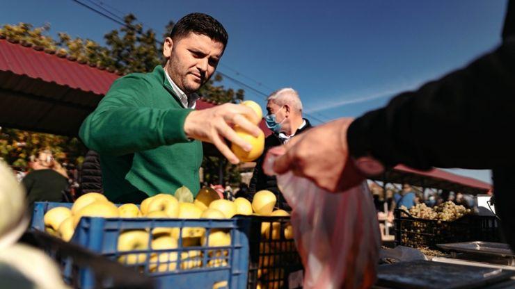 """Deputatul PNL Adrian Cozma: """"Guvernul a alocat o sumă importantă de bani pentru Tășnad. Atât fermierii cât și producătorii locali trebuie să aibă condiții bune pentru desfacerea produselor"""""""