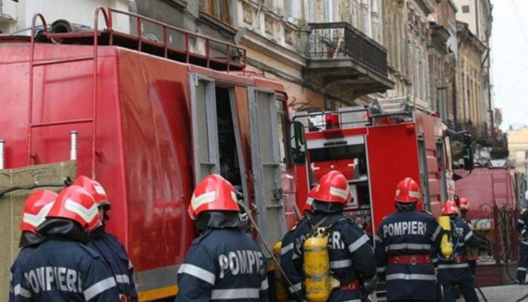 Intervenții ale pompierilor la Satu Mare și Carei din cauza vântului