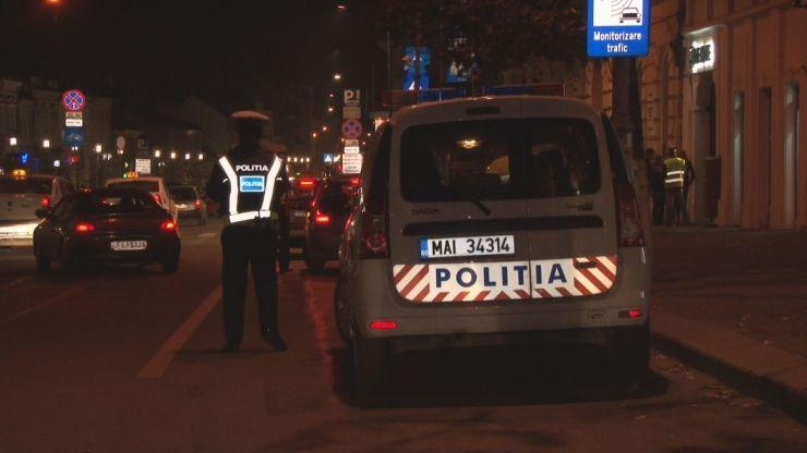 Polițiștii au aplicat peste 240 de amenzi noaptea trecută