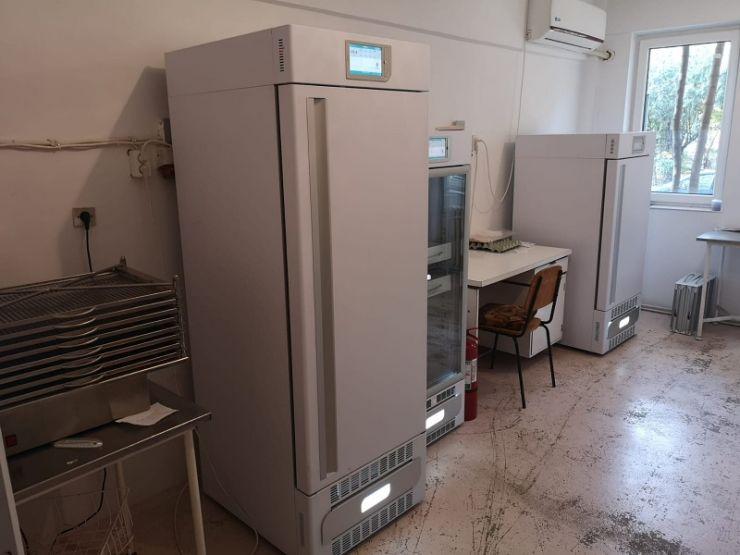 COVID-19 | CBA Nord Vest SRL și Ardudana SRL au achiziționat un congelator medical pentru plasmă