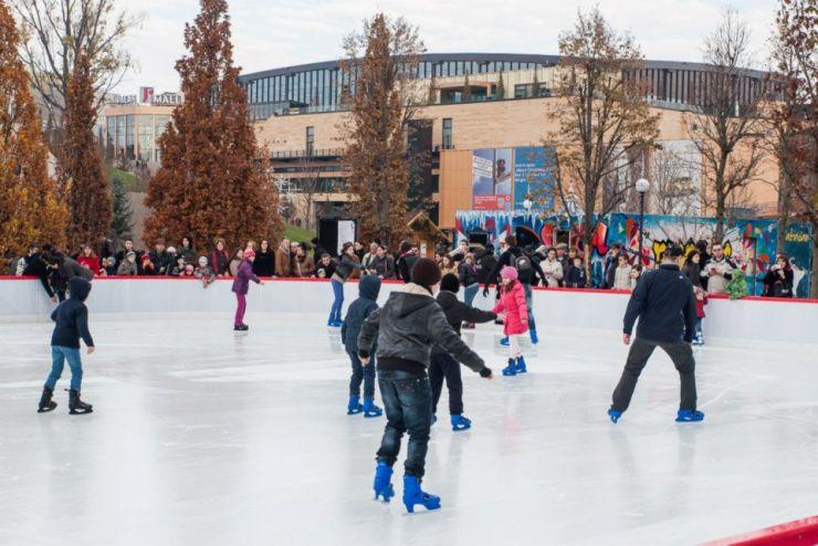 Sătmărenii se vor bucura de cel mai generos patinoar din ultimii ani