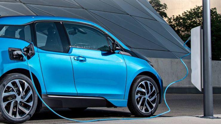Primăria Satu Mare va crea 5 puncte de reîncărcare pentru vehiculele electrice și hibrid