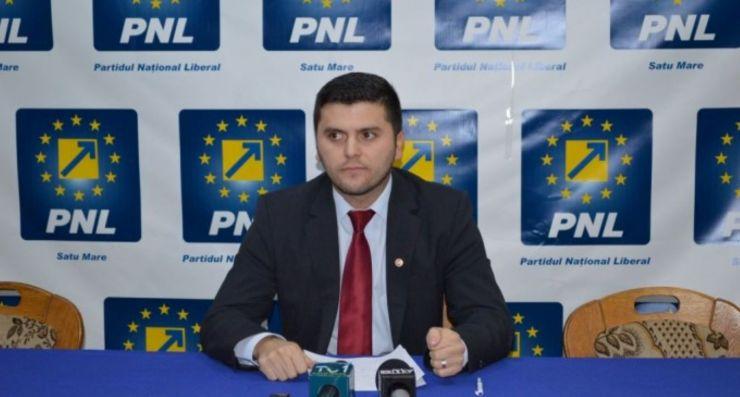 """Adrian Cozma: """"Sătmărenii plătesc un preţ ridicat la apă pentru a acoperi salariile angajaţilor Apaserv Satu Mare"""""""