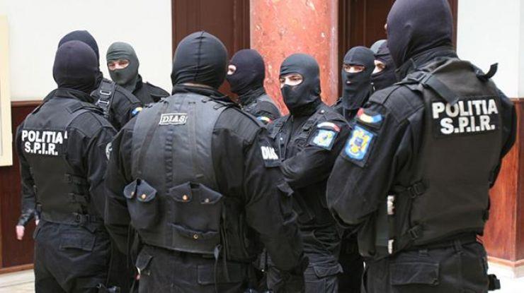 Percheziții într-un dosar cu un prejudiciu de 500.000 euro