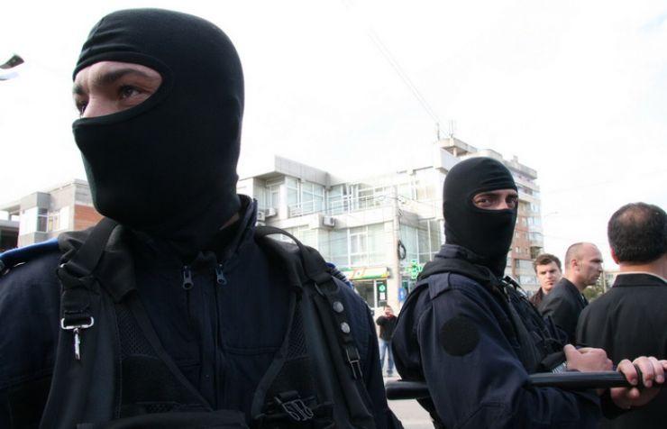 Acțiuni de amploare ale polițiștilor și jandarmilor pe Ostrovului și în Socond