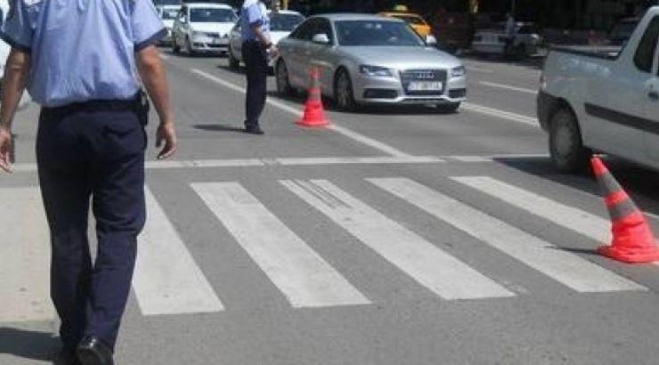 Bărbat accidentat pe o trecere de pietoni de pe bulevardul Independenței
