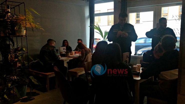 Razie a polițiștilor prin barurile de lângă școlile din Satu Mare: câți chiulangii au fost prinși la cafea în timpul orelor